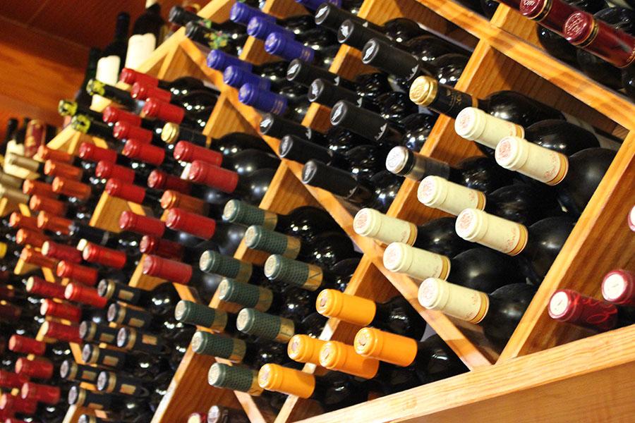Mesón Ca'n Pedro - Wine Cellar